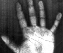 scanned-hand-1460262-639x631